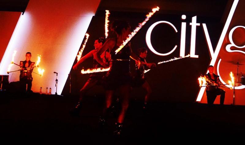 Anta Agni FIRE Show a UV Show - tanečníci s ohňom a UV svetlom