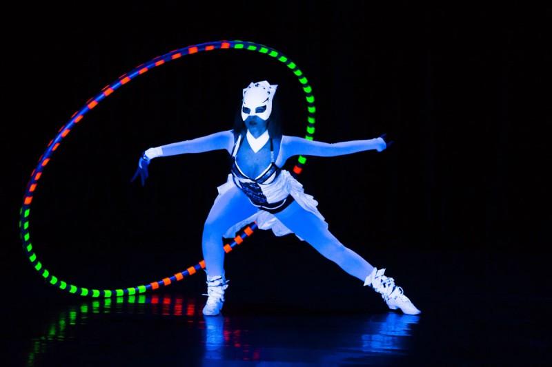 Visual Pixel Show Anta Agni - grafické žonglovanie, zobrazenie loga, Pixel Poi