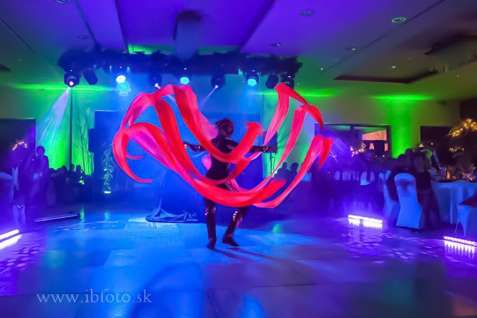 Anta Agni UV Svetlo Show Hotel Partizan