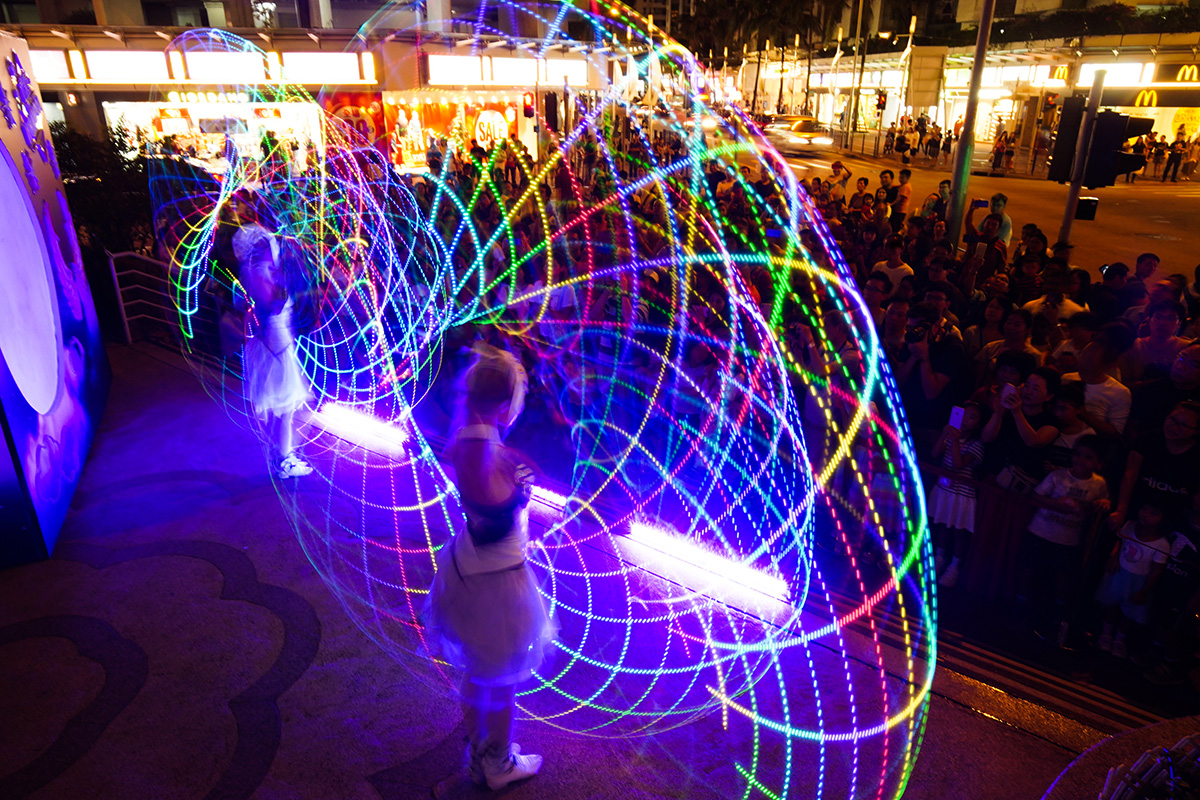 Anta Agni svetelná šou Hongkong kruhy
